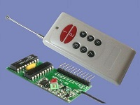 8 gombos (kapu) távirányító és 8 csatornás vevő modul - MOMENT